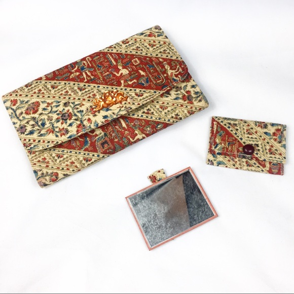 Vintage Handbags - Vintage Egypt Hieroglyphics Clutch